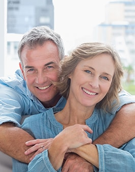 Image of elder couple with healthy gums