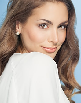 Image of a beautiful woman from BOTOX®