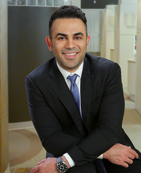 Image of Dr. Reza Atashzareh, a dentist in Redmond WA at Smile Artistry.